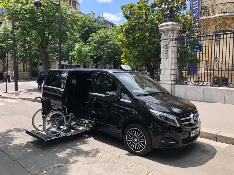 MERCEDES Vito / Classe V Plateforme sous plancher Taxi PMR