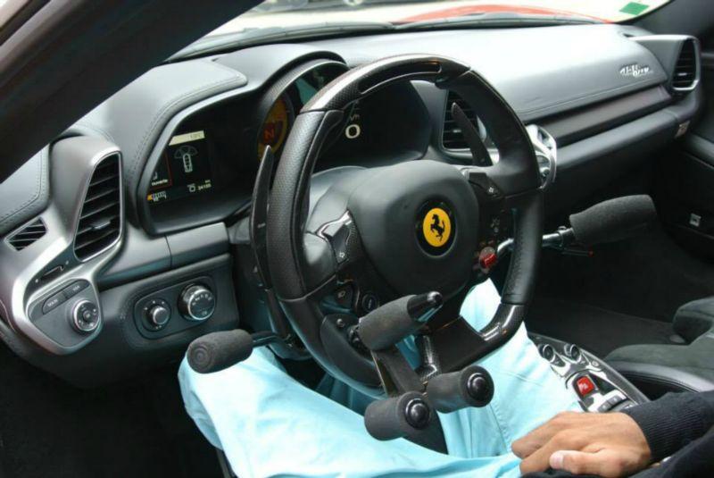 FERRARI 458 Italia Conduite tétraplégique